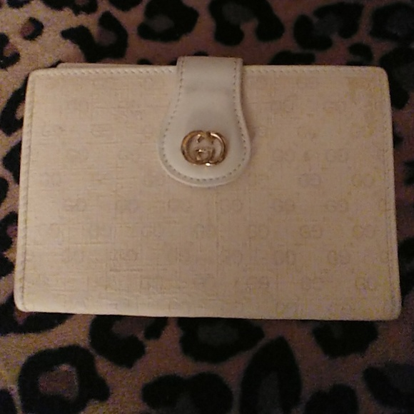 e5ab18628ae Gucci Other - 24 HOUR SALEAuthentic Gucci Vintage wallet